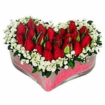 Kalp içinde güller